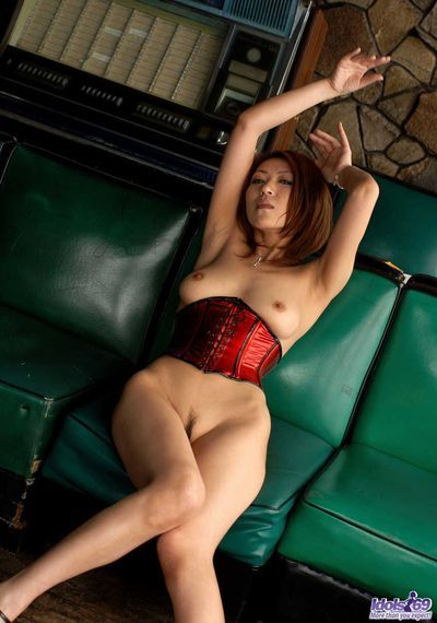 The exclusive red lingerie of this oriental slut Jun Kusanagi does not hide her nudity