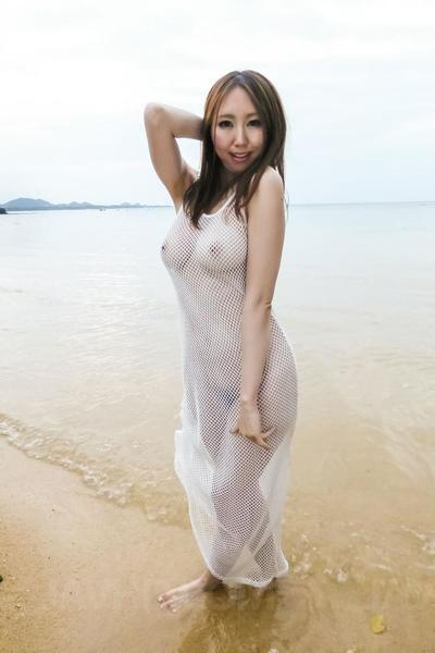 Рука Ичиносе показал офф в Прозрачный белый мокрые Платье в В океан и тогда горячо пиздец на кот