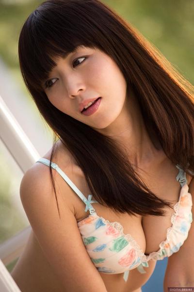Frisch und charmant Spannend Küken Marica Hase ausgezogen Ihr skinny schlank Körper und zeigte es in hot Posen