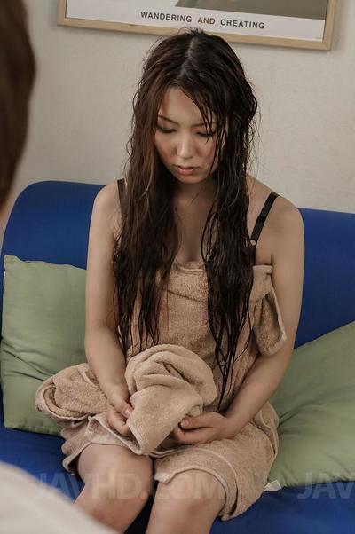белье девушка Юи Хатано Щекочет В Клитор пока ее киска это мокрые достаточно для Мастурбация