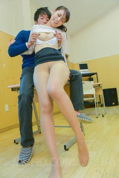 Sporco giovani studente Yui Oba ottiene Il suo rasata fessura sbattè Hardcore in il Classe