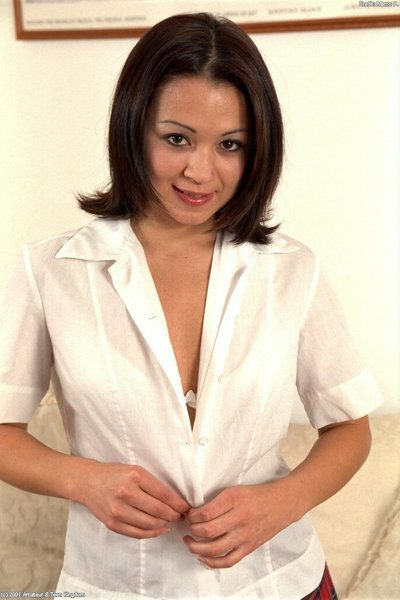 Asian first timer Lokelanie removing bra and skirt to demonstrate trimmed muff