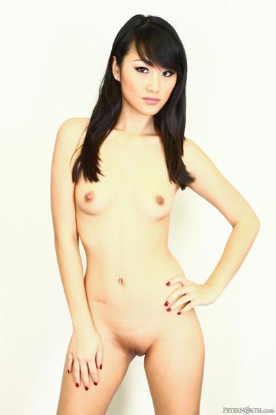 godere di il nudo Asiatico Ragazza Evelyn Lin mostrando off Il suo figa e piccolo Tette