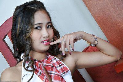 Едва юридические Азии школьница Акира распространение ее Волосатые подросток киска