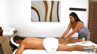 Chunky Asian masseuse Gigi Skye giving happy ending handjob