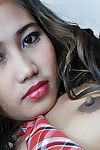 Appena legale Asiatico studentessa Akira la diffusione Il suo peloso teen figa