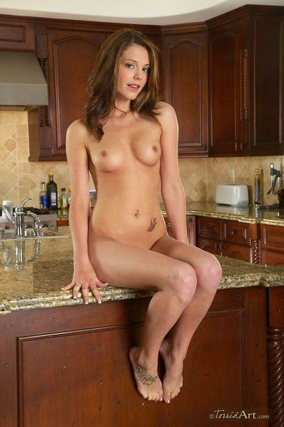Small mamma girl Kiera Winters with shaved snatch takes off say no to white smalls in the pantry